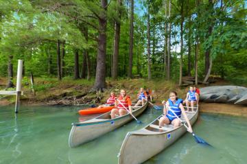 Falcon Camp canoe activity